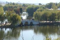滇池上的汉白玉石桥