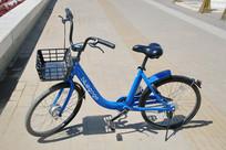 蓝色的的共享单车