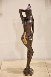 非洲木雕长发少女