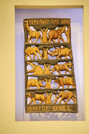 非洲木雕镂空雕动物世界