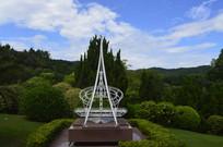 欧亚大陆分界碑造型雕塑