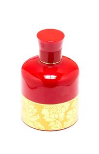 漂亮的红色酒瓶