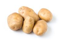 白背景上的马铃薯