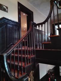 别墅木楼梯扶手
