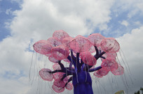 蓝天白云生命之树灯饰灯组