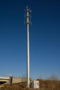 蓝天信号发射塔