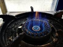 煤气炉的蓝色火焰