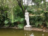 潘鹤雕塑艺术园少女雕塑