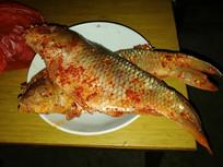 碗里的腌鱼