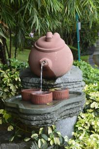 云台花园茶壶茶杯雕塑