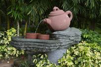 云台花园倒水的茶壶茶杯雕塑