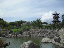 仙鹤水池边的凉亭