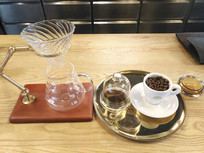 咖啡吧台特写