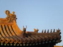 北京故宫建筑琉璃顶一角
