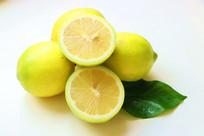 白底黄柠檬
