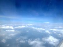 高空上的云朵