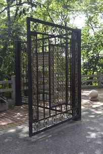 公园铁艺雕花门