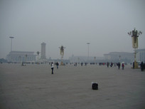 雾霾天的天安门广场