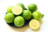 一堆青柠檬