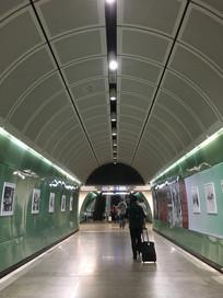 广州地铁室内图片