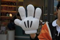 米奇卡通手套横构图
