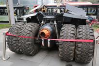 特种跑车后面有四个轮子