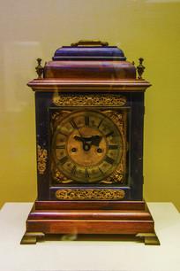 英国造清木楼嵌铜活二套二针钟