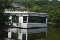 白云山公园水上餐厅