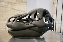 抽象艺术拥抱雕像