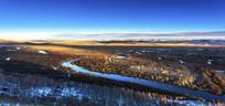 初冬蓝天额尔古纳湿地公园