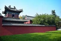 红墙古建筑高清图片