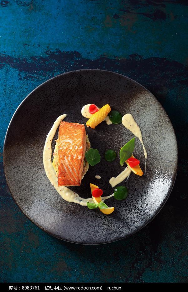 煎三文鱼图片