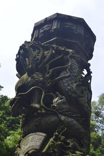 九龙柱石雕特写