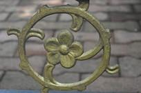 铁艺镂空花朵雕塑