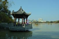惠州西湖湖边亭子