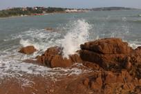 浪拍岩石海边海浪大海岸边岩石