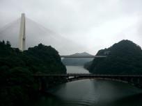 雄伟的红枫湖大桥