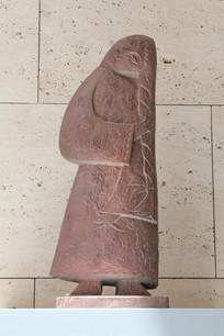 花辫子女孩雕像