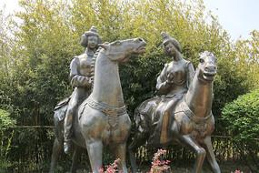 骑马的唐代宫女贵妃雕像