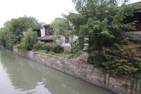 杭州小河直街河边房屋与树木