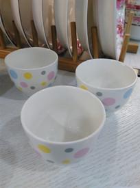 时尚圆点图案陶瓷杯子