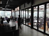 玻璃透视餐厅
