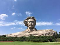 宏伟大气青年毛泽东石雕像