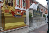 金色的泰国风格纪念碑
