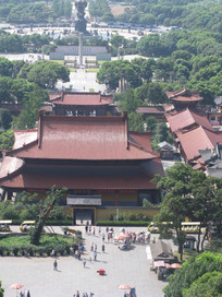 灵山下的寺庙群