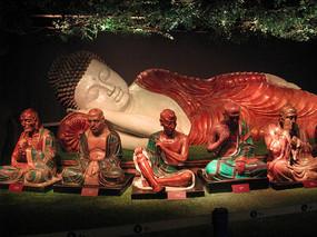 释迦摩尼卧佛与十八罗汉像