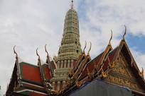 泰式寺庙高大的穹顶