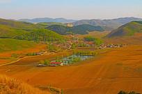 群山中的村庄