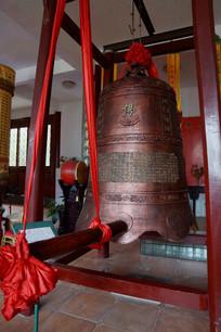 寺庙里的钟