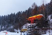 雪乡傍晚观景台积雪红灯笼